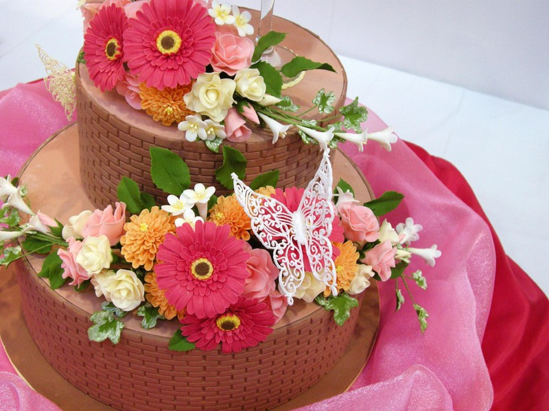 summer-flowers-layer-cake-800x600-wallpaper.jpg